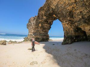 Wisata Pantai Mbawana