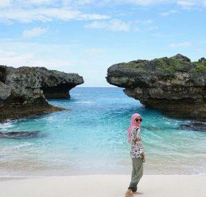 Wisata Pantai Mendorak